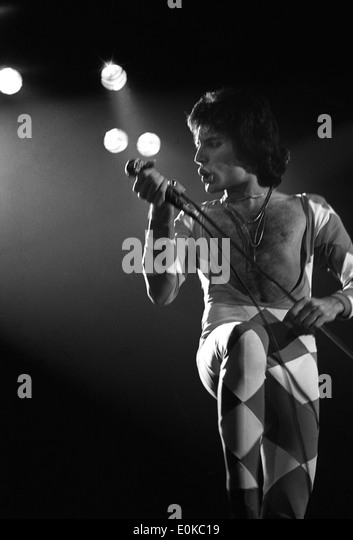 Freddi Mercury of Queen live gig in Southampton 1977 - Stock Image
