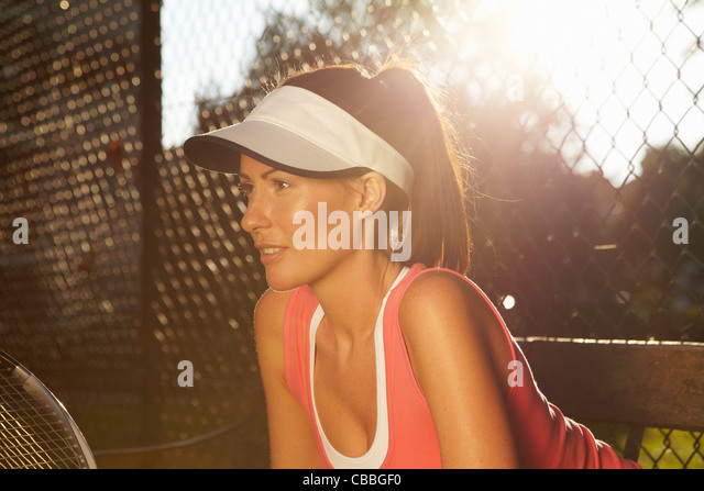 Tennis player poised on court - Stock Image