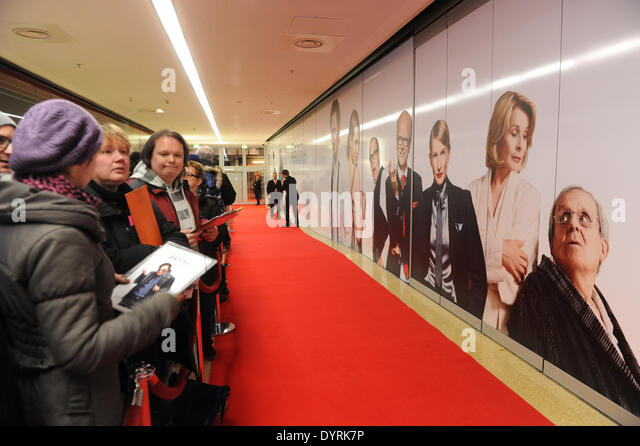 Movie fans at the premiere of 'Zettl' in Munich, 2012 - Stock Image