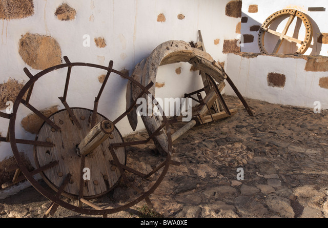 Fuerteventura, Canary Islands - El Alcogida Ecomuseum, Tefia. Wheelwright and blacksmith work. - Stock Image