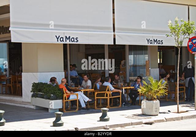 YaMas restaurant on the waterfront. Thessaloniki, Macedonia, Greece - Stock Image