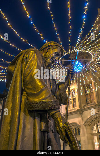 Statue of Geoffrey Chaucer Christmas Canterbury Kent - Stock Image