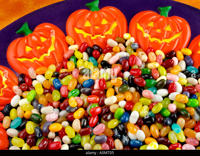halloween candy and kids stock photos halloween candy and kids stock images alamy. Black Bedroom Furniture Sets. Home Design Ideas