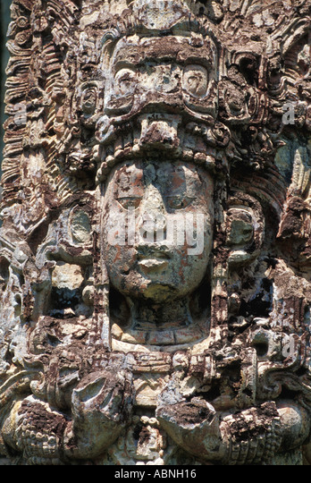 Mayan art sculpture Great Plaza Stela H Mayan religion vertical Central America rulers - Stock Image