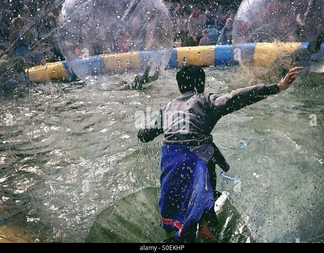 Water Fun At the children's Party of the carnival of Culture in Berlin Kreuzberg 2015 as Kids Play in Water - Stock-Bilder
