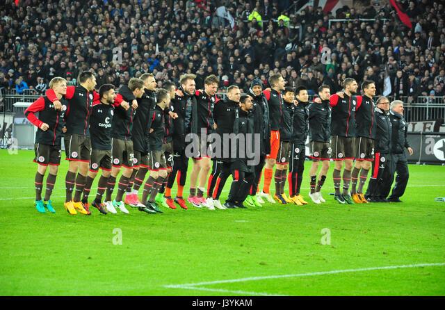 223 / 2. Bundesliga: EUROPA, DEUTSCHLAND, HAMBURG, 28.04.2017:  FC St. Pauli vs. 1. FC Heidenheim (3:0), Siegesfeier - Stock-Bilder