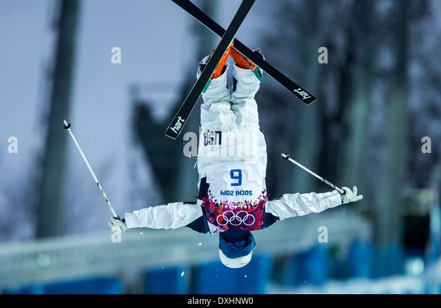 Bradley Wilson (USA) freestyle skier competing in Men's Moguls at the Olympic Winter Games, Sochi 2014 - Stock-Bilder
