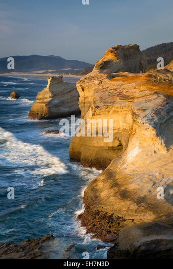 Rock formations along the coast at Cape Kiwanda, Oregon, USA - Stock Image