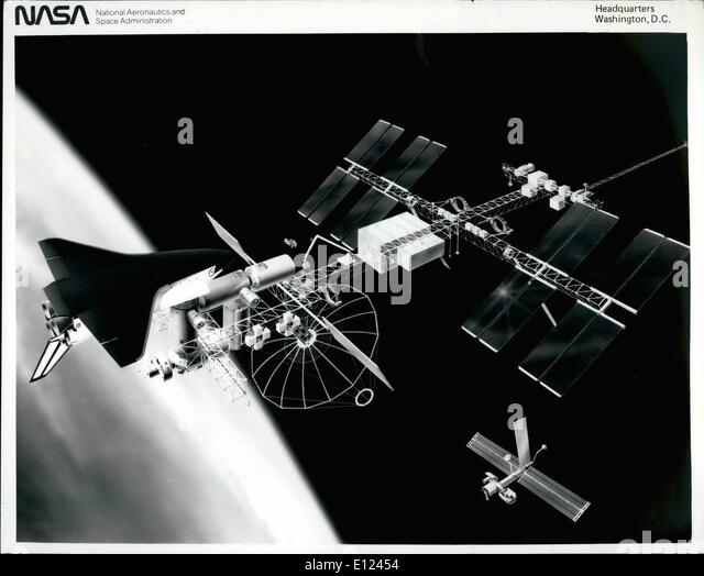 Aug. 08, 1984 - Space station concept: The ''power tower'' reference concept of the Space Station - Stock Image