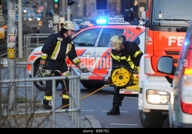 Firemen Stock Photos & Firemen Stock Images - Alamy
