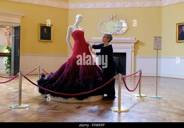 Bath, UK, 18th April, 2016. The GREAT dress a couture dress designed by Nicholas Oakwell and made especially for - Stock Image