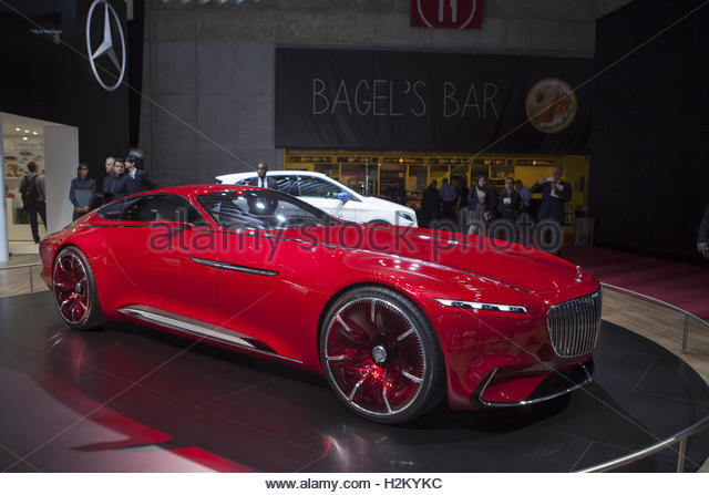 Paris, France. 29th Sep, 2016. The Mercedes Maybach Vision 6 concept car is presented on the first day of the press - Stock Image