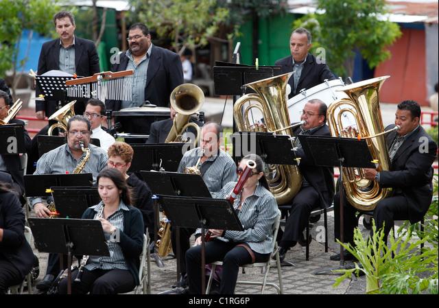 Orchestra performance, Plaza de la Democracia , San Jose, Costa Rica - Stock Image