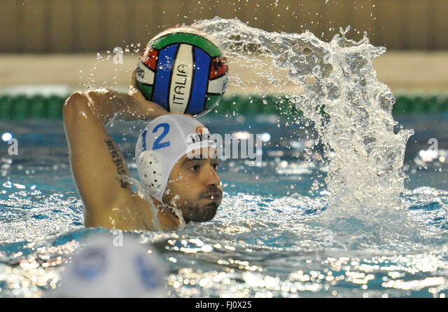 Naples, Italy. 27th Feb, 2016. In action Napoli's striker Luongo M. during the match of Italian championship - Stock-Bilder