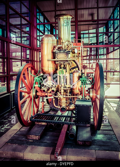 Old fashioned steam powered firefighting equipment - Stock Image