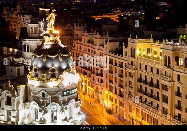 Metropolis Building, Edificio Metrópolis, overlooking Gran Vía avenue, at night, Madrid, Spain, Europe - Stock Image