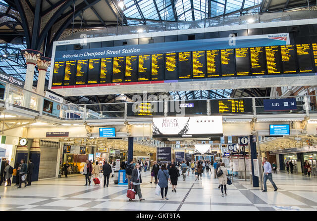 London rail stock photos london rail stock images alamy - Stansted express ticket office liverpool street ...