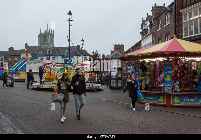 Melton Mowbray October 18th 2017:  Grey skys and light rain as the circus arrives in town  Photo: Clifford  Norton/Alamy - Stock Image