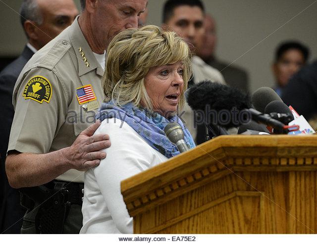 San Bernardino, California, U.S. 7th Nov, 2014. Susan Blake, mother of Joseph McStay, breaks down while speaking - Stock Image