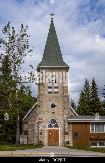The St. George's in the Pines, Anglican Episcopal church in Banff, Banff National Park, Alberta, Canada. - Stock Image