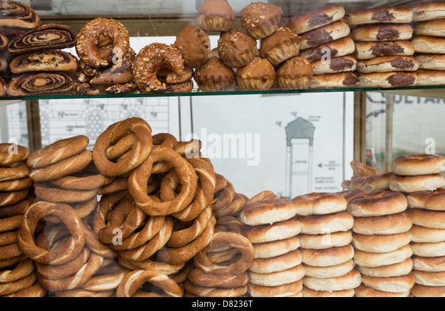 Simit (Turkish Bagel) and pastries for sale in Istanbul, Turkey - Stock Image
