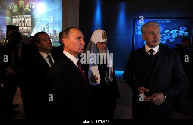 Russian President Vladimir Putin and Russian Orthodox Patriarch Kirill during a tour of the Russia history exhibition - Stock Image