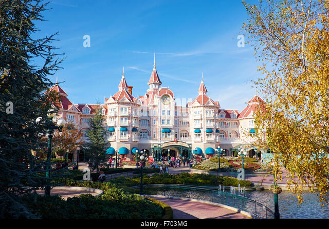disneyland hotel stock photos disneyland hotel stock images alamy. Black Bedroom Furniture Sets. Home Design Ideas