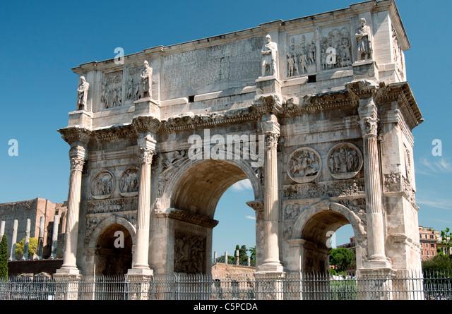 Arco di Costantino, a Roman triumphal arch honouring the Emperor Constantine, near the Colosseum in Rome. - Stock Image