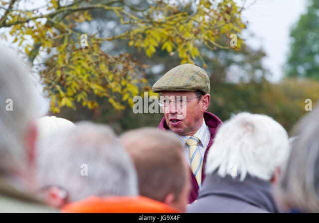 Auctioneer at a Suffolk farm sale - Stock Image