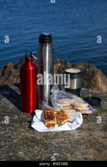 Thermos Flask And Picnic Stock Photos Amp Thermos Flask And