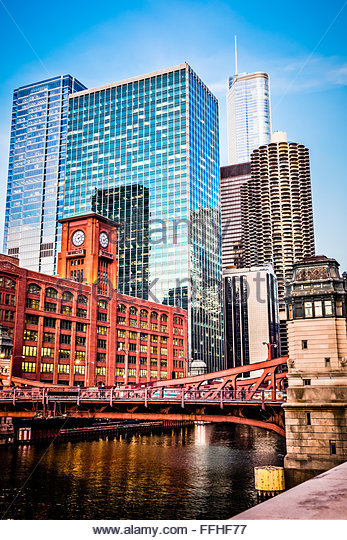 Picture of Chicago buildings at LaSalle Street Bridge (Marshall Suloway Bridge) with the Reid Murdoch Building - Stock Image
