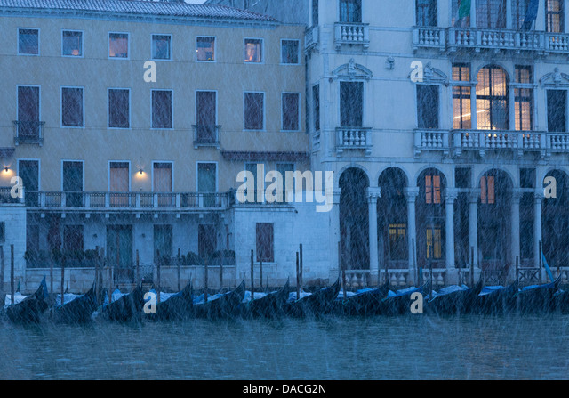 Heavy snowing, Canale Grande, Venice, Italy - Stock Image