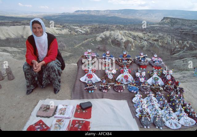 Turkey Cappadocia Urgup souvenir vendor highway overlook - Stock Image