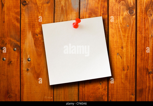 the blank paper note on wood board background - Stock-Bilder