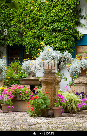 Plant Pots In Mediterranean Courtyard Stock Photos & Plant Pots In Medite...