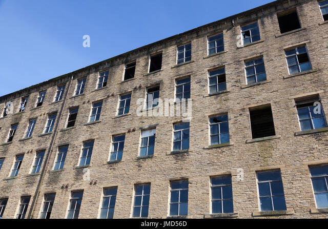Disused old mill, Halifax, West Yorkshire - Stock Image