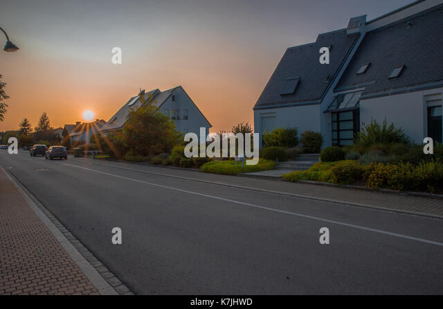 sunset-over-the-fields-k7jhwd.jpg