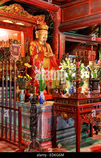 Statue of Confucius, Dai Tanh Sanctuary, Temple of Literature, Hanoi, Vietnam - Stock Image