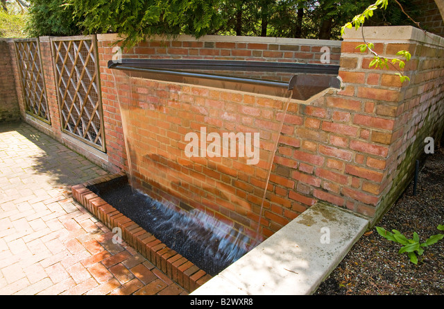 Overflow Water Fountain - Stock Image