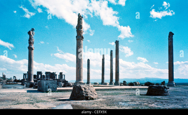 IRAN, PERSEPOLIS: Columns and gates at the ruins of Persepolis in Iran. Persepolis was the ceremonial capital of - Stock-Bilder