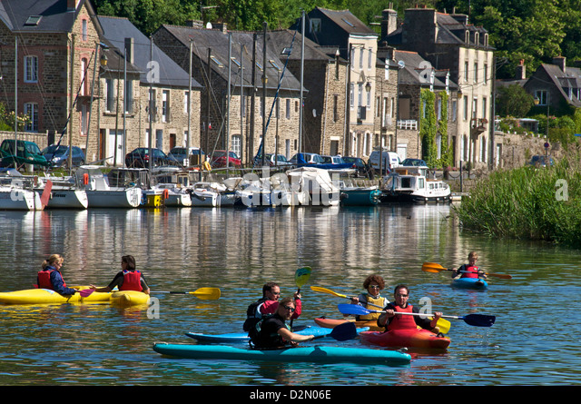 Canoe kayaks on River Rance, Dinan, Brittany, France, Europe - Stock Image