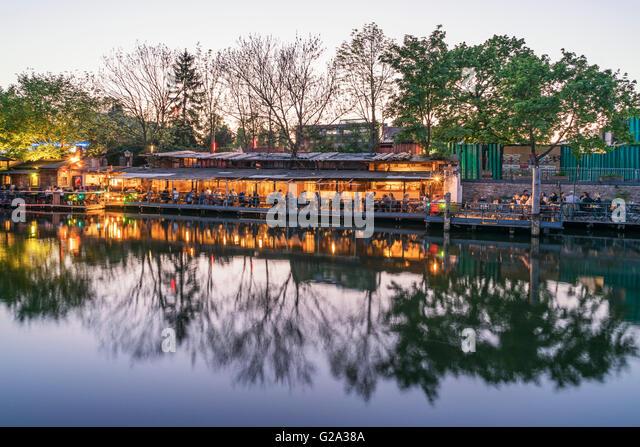Clubs at Spree Canal, Freischwimmer, beach bar, Kreuzberg, Berlin - Stock Image