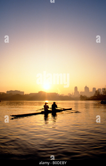 Sculling on the Schuylkill River at sunrise, Philadelphia, PA - Stock Image