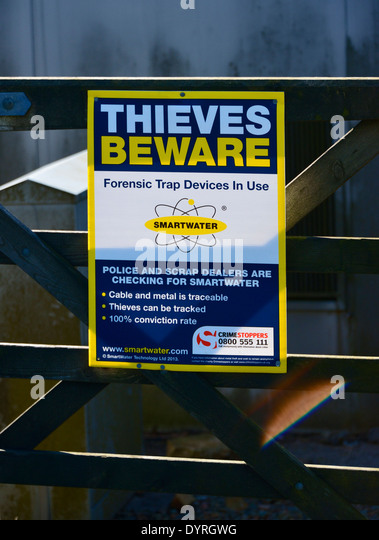 'THIEVES BEWARE', warning notice. Hartside Top Cafe. A686 Penrith to Alston road, Cumbria, England, United - Stock Image