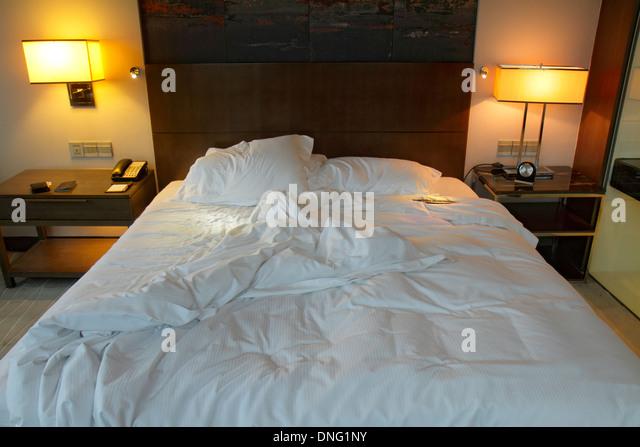 Beijing China Guang An Men Nei Da Jie Guanganmen Outer Street Beijing Hilton DoubleTree hotel guest room king-size - Stock Image