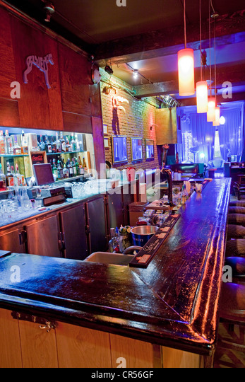 Canada, Quebec Province, Montreal, Boulevard Saint Laurent, Blue Dog Lounge bar and nightclub - Stock Image