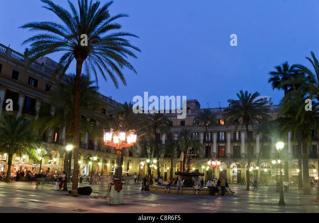 Spain, Barcelona, Plaza Real at twilight - Stock Image