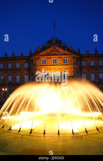 DEU, Deutschland, Stuttgart: Neues Schloss mit Brunnen bei Abenddaemmerung | DEU, Germany, Stuttgart: New Palace - Stock-Bilder