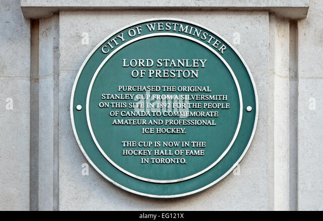 London, England, UK. Commemorative plaque: Place where the Stanley Cup (Canadian Ice Hockey) was purchased in 1892. - Stock Image