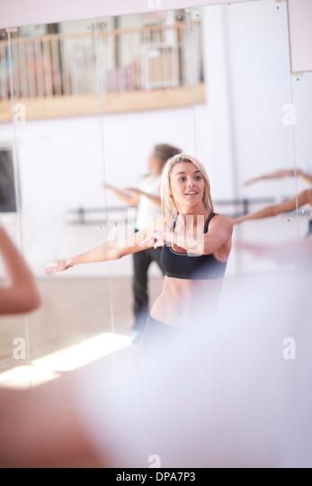 Females enjoying aerobic class - Stock Image